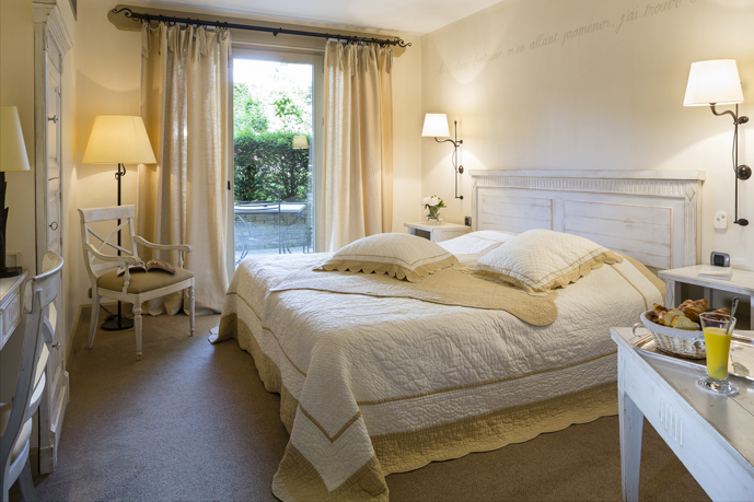 chambre_domaine_clairefontaine_philippe_girardon_tri_ohayon