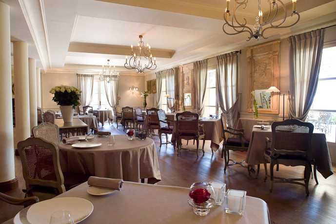 salle_restaurant_montecristo_hotel_castellet_christophe_bacquie_tribu_ohayon
