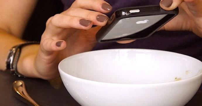Polémique autour des photos de plats dans les restaurants