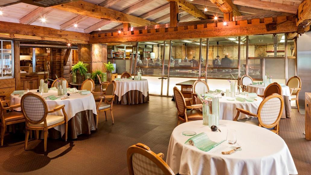 Salle du restaurant de Yoann Conte à Veyrier du Lac