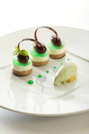 Dessert After Eight (c) Auberge du Cheval Blanc